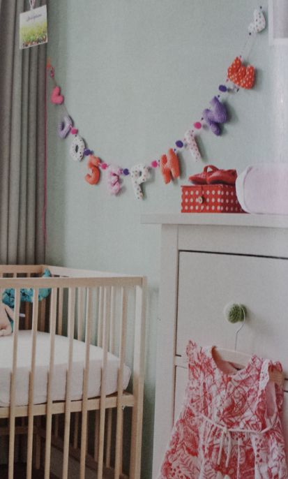 name garland of KiddyColors in a kidsroom