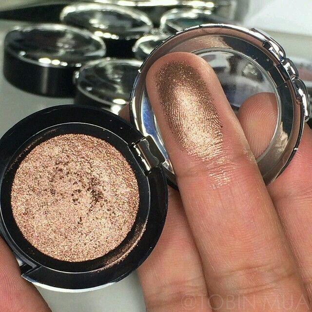 pincass on make up  nyx prismatic eyeshadow makeup