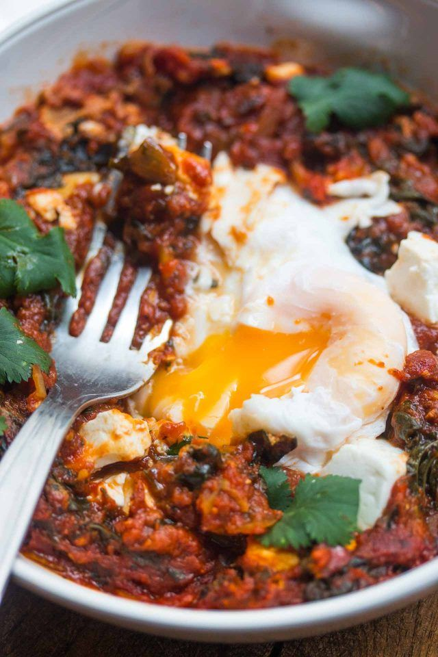 Shakshuka Poached Eggs in Spicy Tomato Sauce Recipe