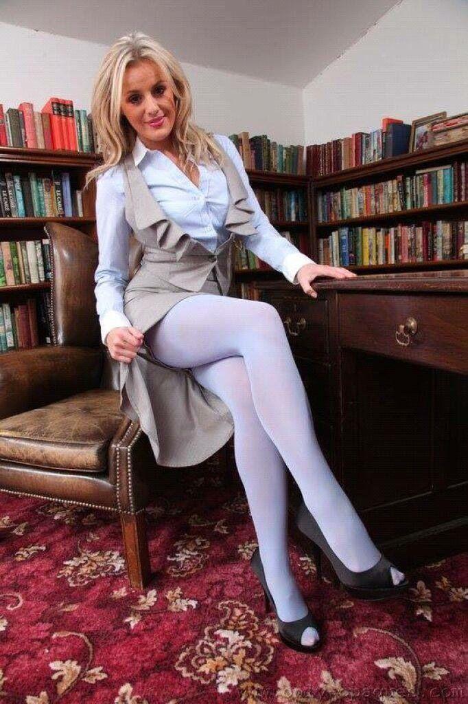 foto de Toni ♡ Hoes' Legz in 2019 Tights heels Nylons