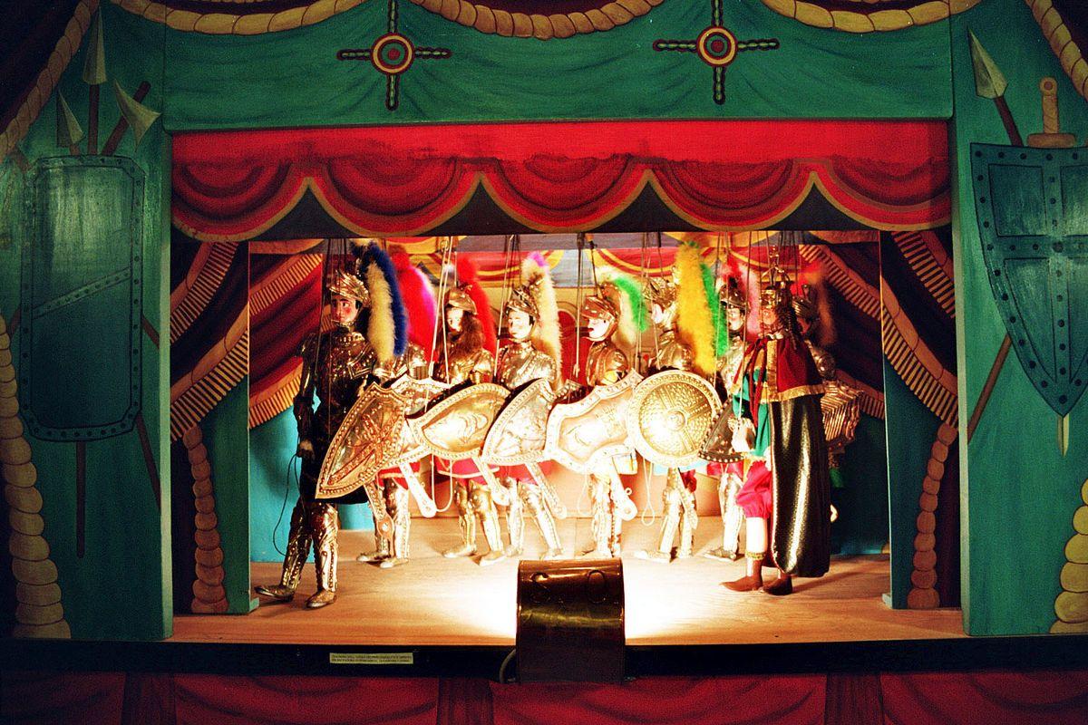 Opera Dei Pupi Wikipedia Puppet Theater Puppets Puppetry