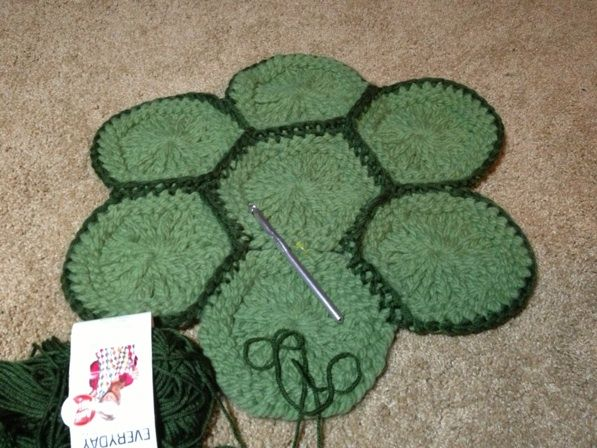 Loom Knit Your Own Granny Round Or Granny Hexagon With This Simple