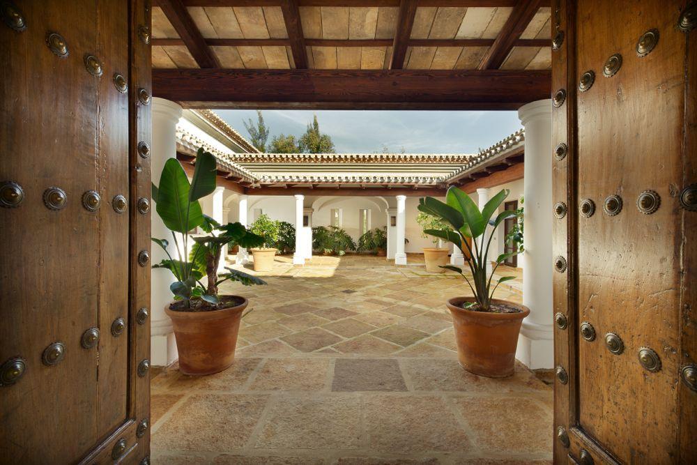 Impresionante patio Villa Lujo Sotogrande