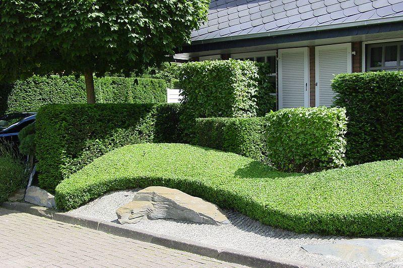 japanischer-garten-teich-undskulpturen-japanischer-stil | japan, Gartenarbeit ideen