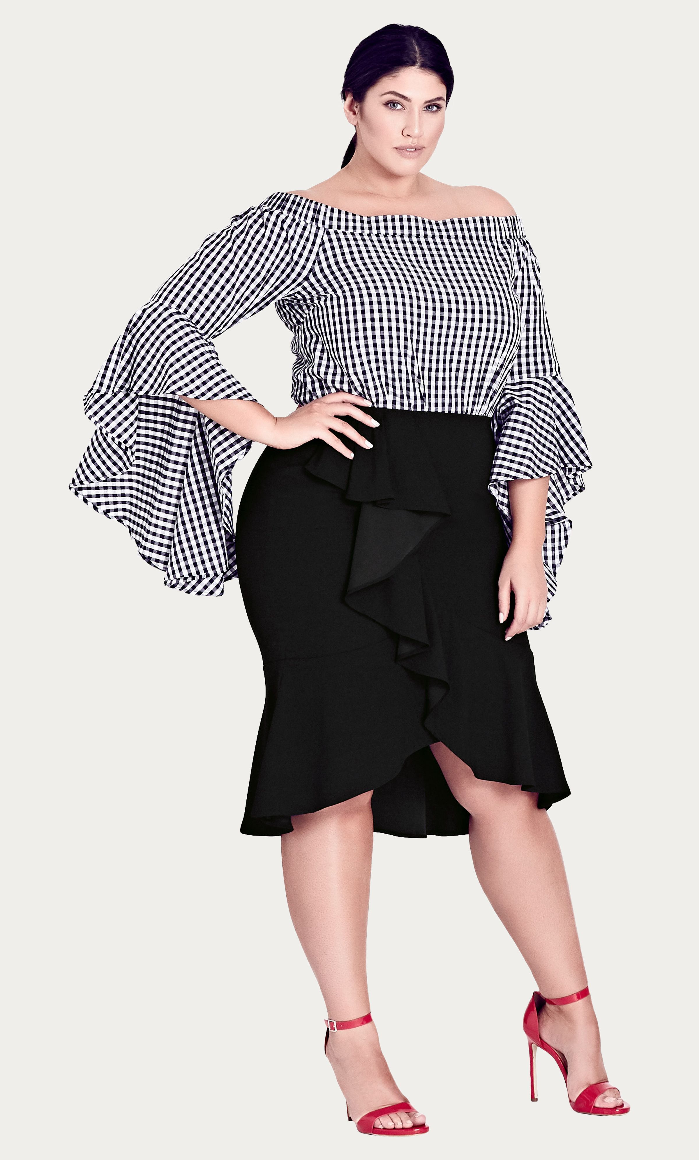 Frills skirt plussize curvyfashion perfect beauties pinterest