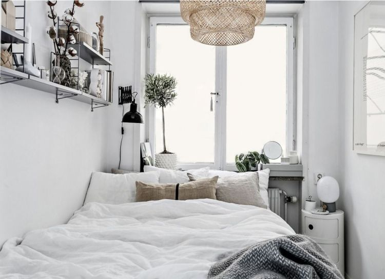 Schönes Schlafzimmer mit luxuriösem Bett. Schlafzimmer
