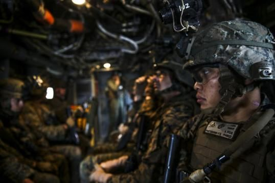 U S Marines With The 1st Battalion 1st Marine Regiment Are Transported On An Mv 22 Osprey Tiltrotor Aircraf Marine Corps Rings Camp Pendleton Us Marine Corps