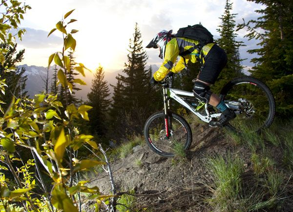 5 Tips For Beginner Downhill Mountain Bikers Mountain Biker