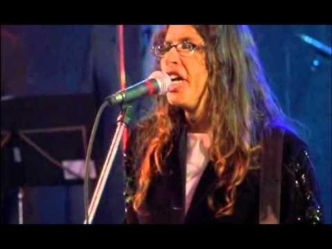 Alice Maciel Sai Da Caverna Com Imagens Musica Gospel Musicas