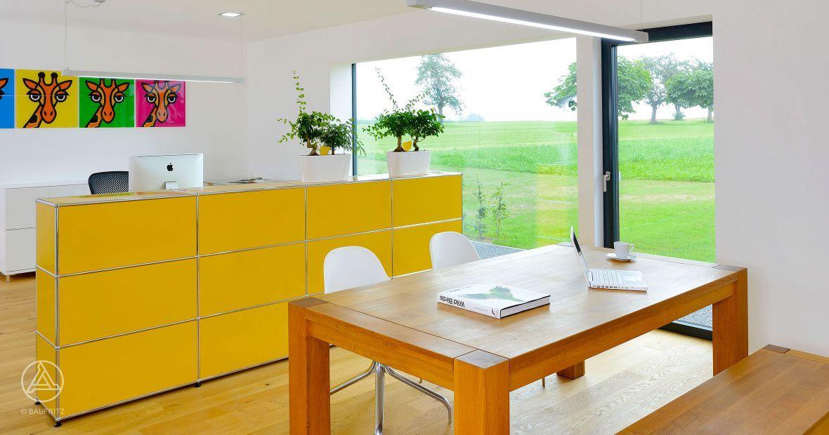 Designhaus-Innenansicht. Home-Office im Anbau beim Designhaus Wriedt von Baufritz