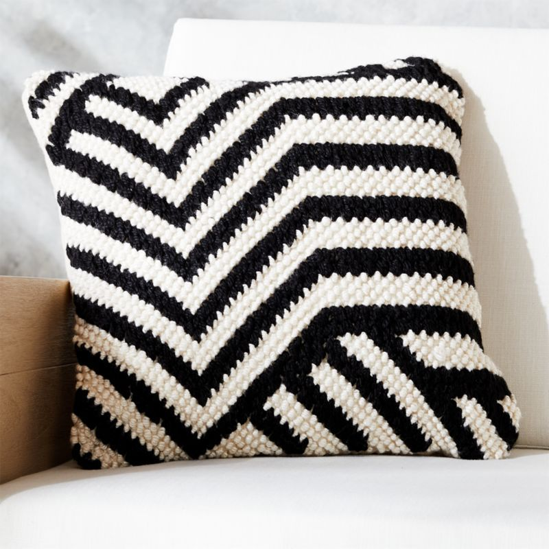 Free Shipping Shop 20 Zig Zag Outdoor Pillow Black White Black And White Polyester Knit Chunky Black And White Pillows Modern Accent Pillow Outdoor Pillows