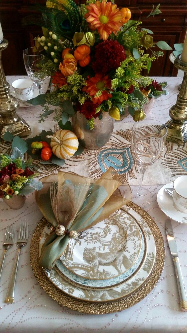 How To Set The Ultimate Holiday Table Holiday Tables Thanksgiving Tablescapes Table Decorations