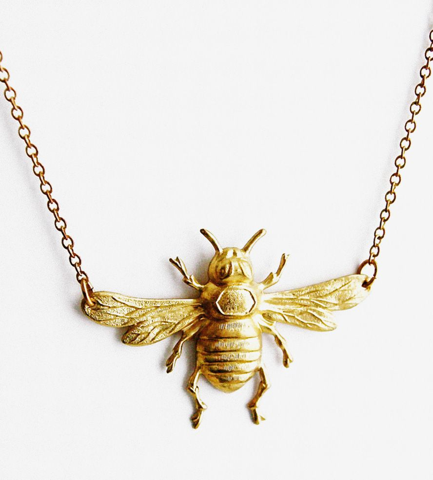 Vintage Brass Bee Necklace//