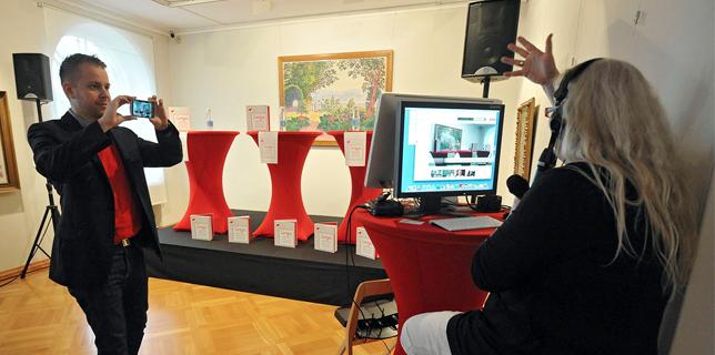 CASE: Google+ Hangout On Air - Senja opettaa sinulle ruotsia -kirjan julkaisutilaisuus - Jaana Nyström