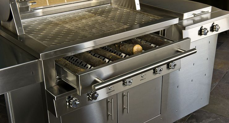 Outdoor Gas Grills From Kalamazoo Are Available In 8 Freestanding Models