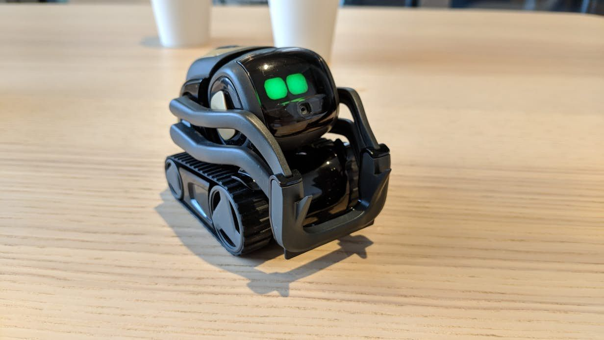 Hands on with Vector, Anki's new emotive home assistant robot ...