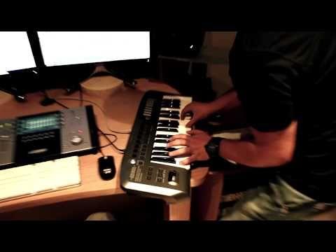 Falando a respeito do novo disco, composições e experiências que fazem ou fizeram parte de todo o processo de criação das músicas do EP. Lançamento previsto pra junho de 2012.