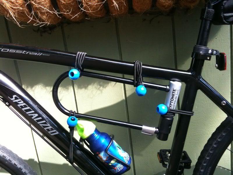 bike lock holder google search bicycle locks integrated locks etc pi. Black Bedroom Furniture Sets. Home Design Ideas