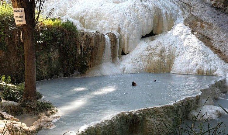 Hot Springs In Tuscany Italy Enjoy Natural Hot Springs Outdoors