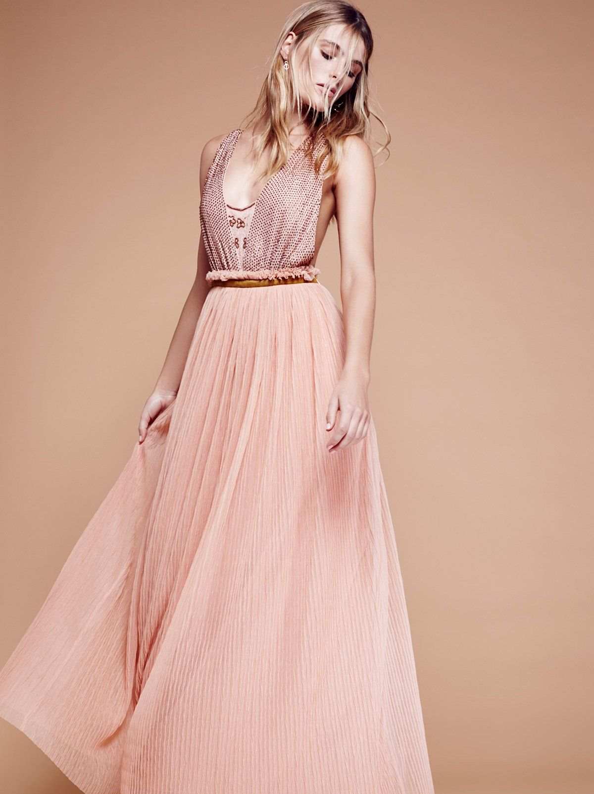 What to Wear on Valentine\'s Day? 20 Lovely Date-Night Outfit Ideas ...