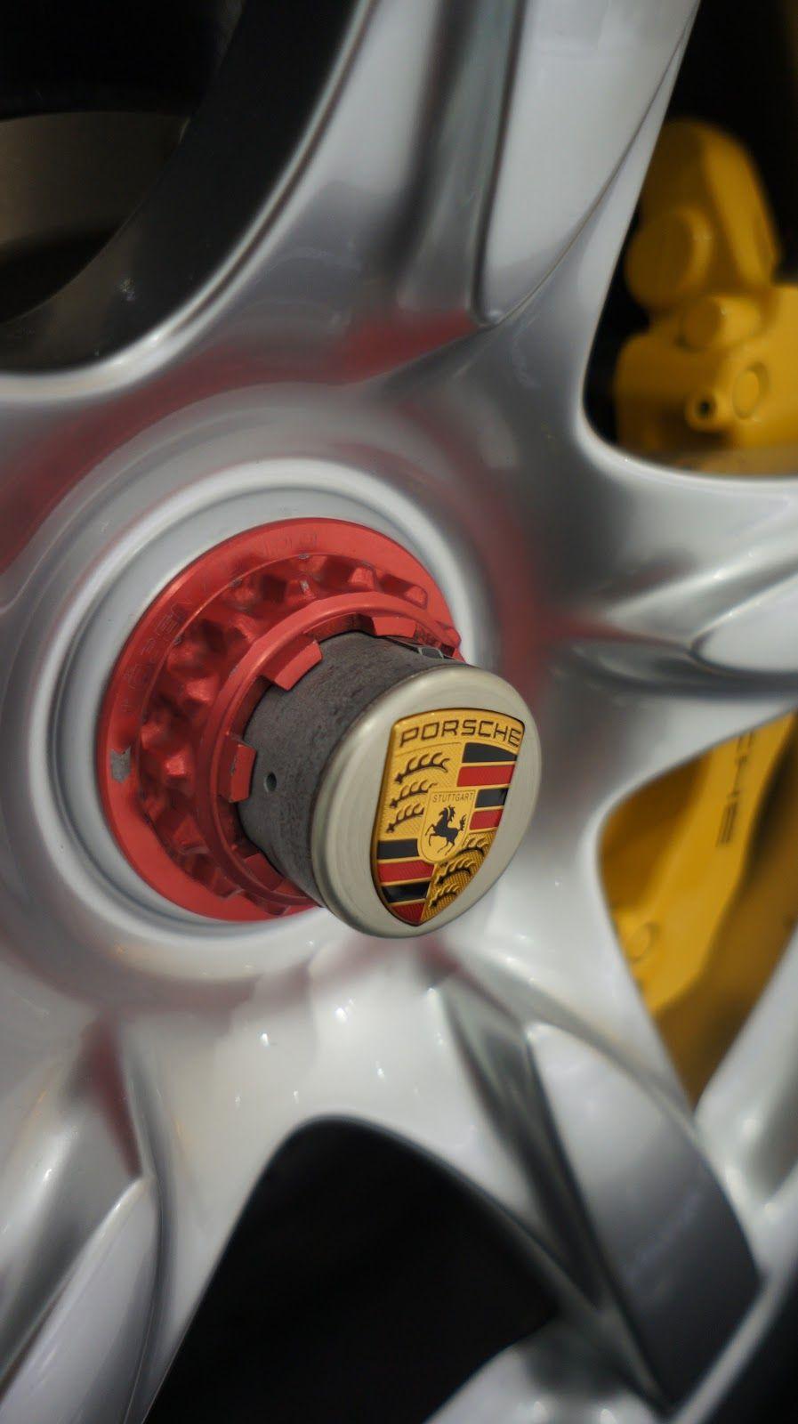Porsche GT hub