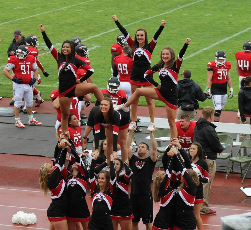 WOU Cheer 201314. Hitch Pyramid. Partner Stunting (With