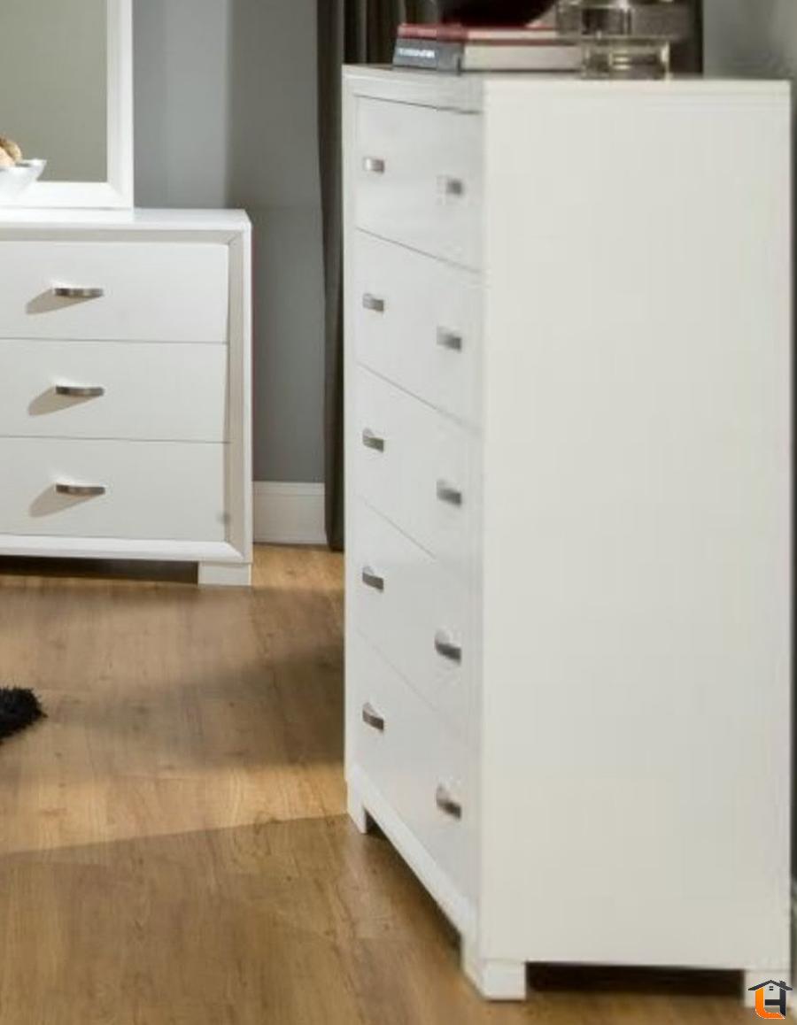 Homelegance Astrid 5 Drawer Chest In White Dresser Homelegance 5 Drawer Chest Red Furniture [ 1158 x 900 Pixel ]