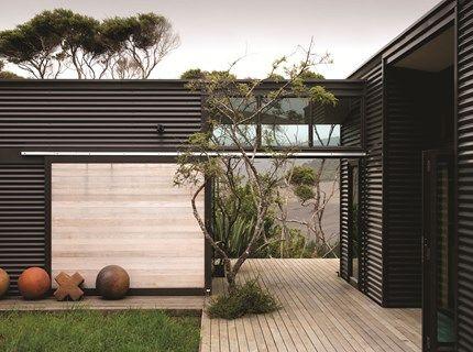 charcoal corrugated steel house recherche google wohnen pinterest architektur. Black Bedroom Furniture Sets. Home Design Ideas