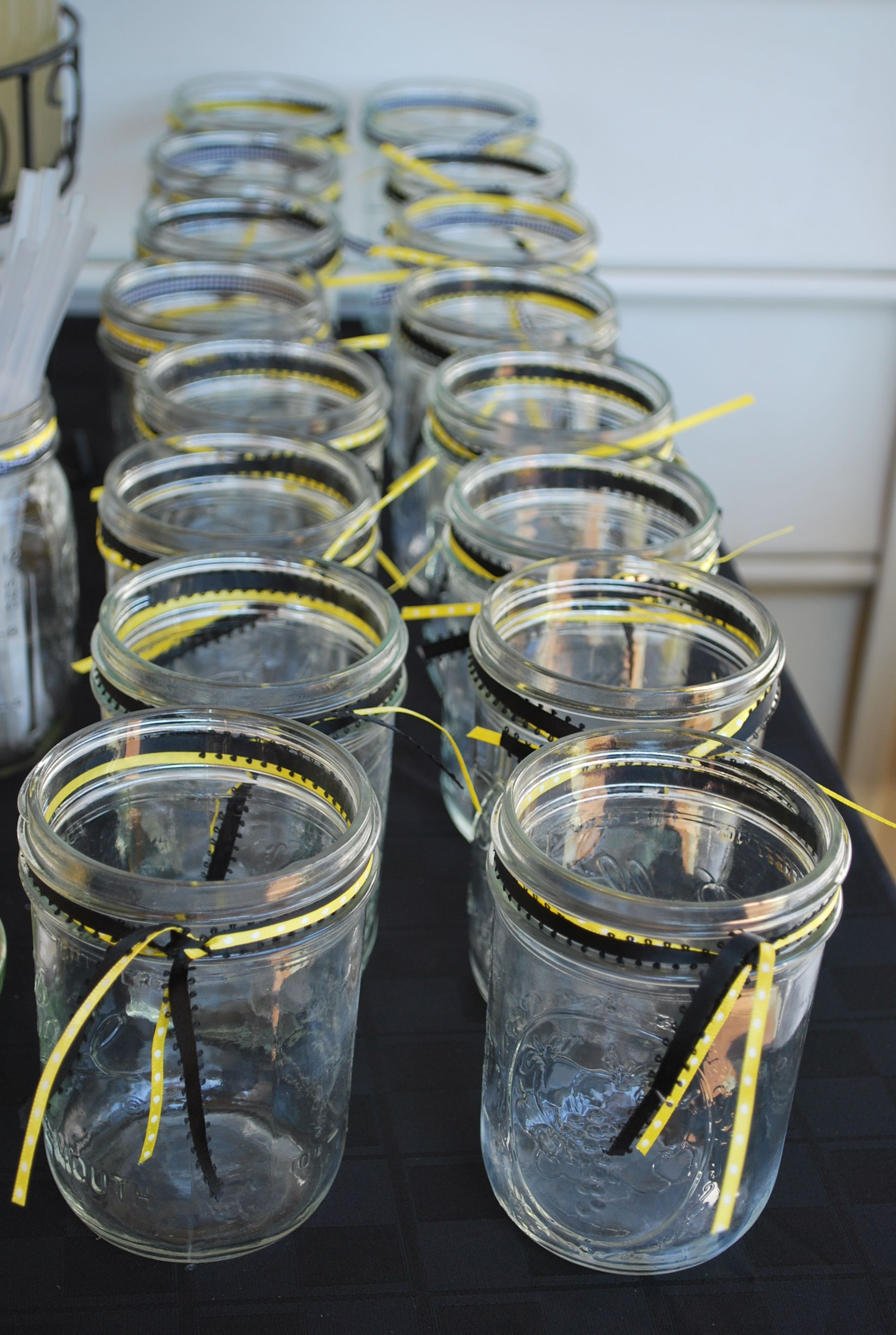 Bumble Bee Baby Shower Love The Country Feel Of Mason Jars Plus U Can
