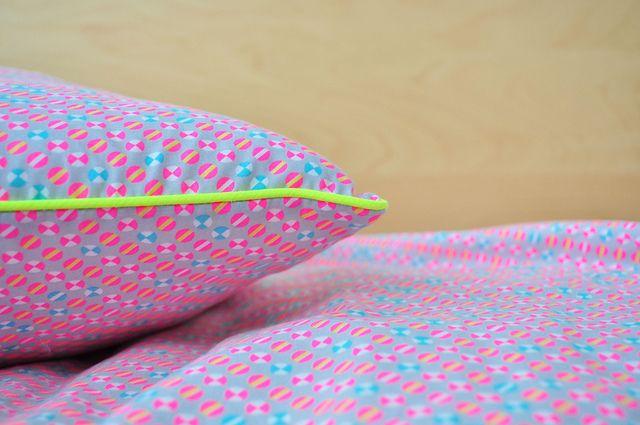 okiko & neon by Oontje, via Flickr