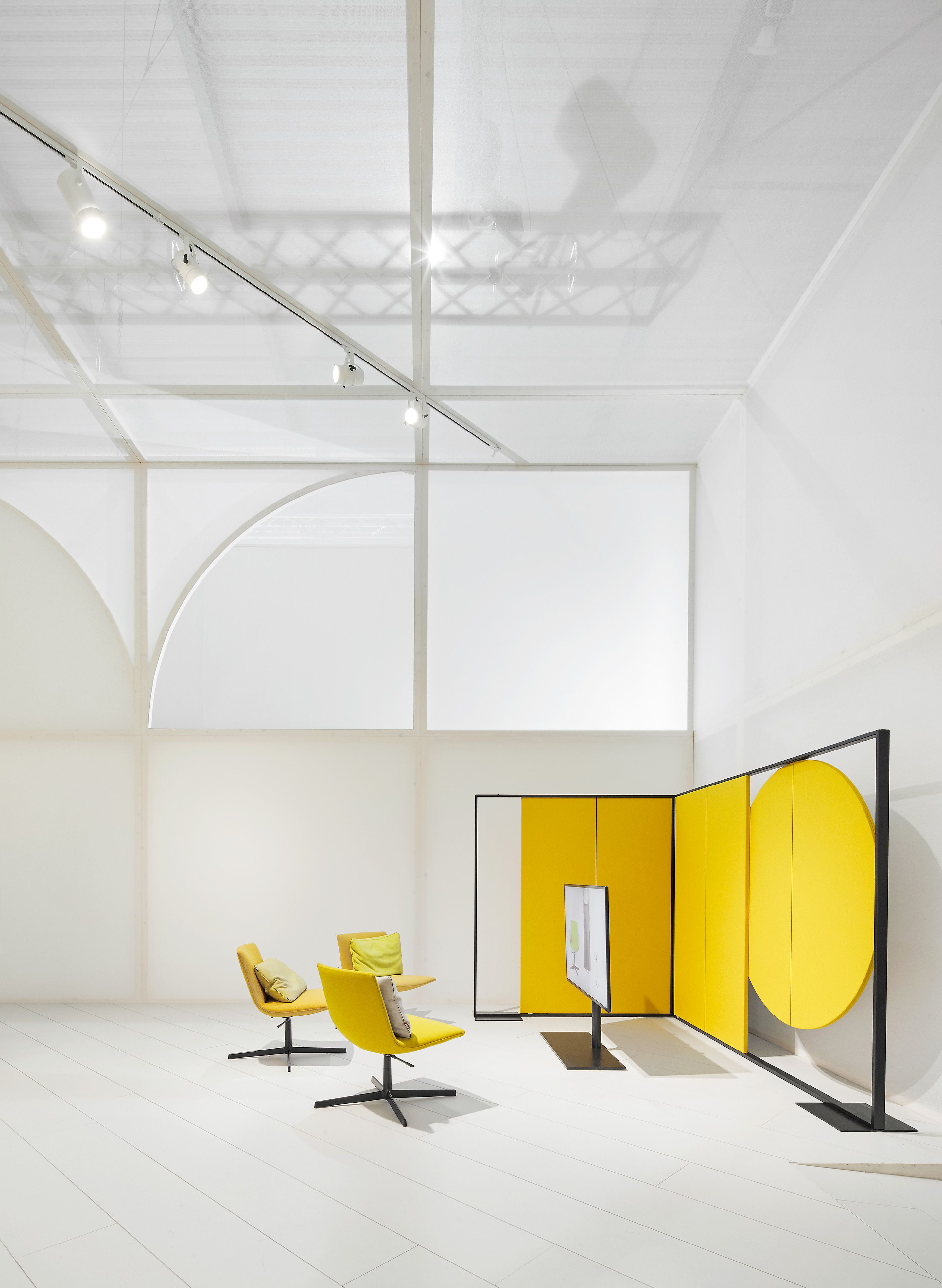 Parentesit in Arper s Workspace booth in Milano architecture Maio architects creative direction Studio Altherr