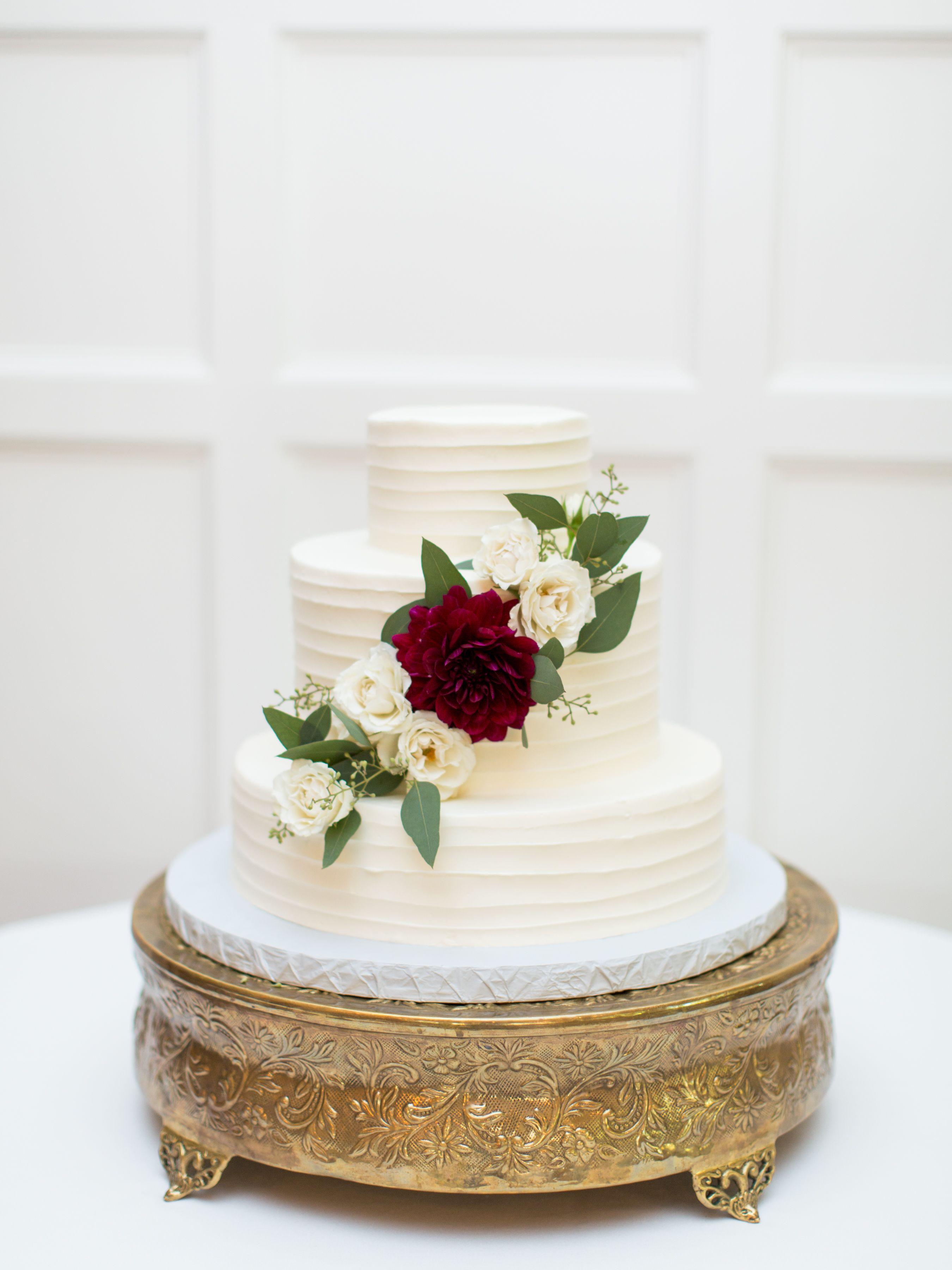 A Rustic Elegant Texas Wedding with Beautiful Burgundy + Navy ...