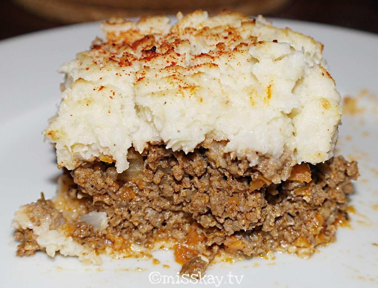 Paleofreundliches Rezept des englischen Klassikers: Shepherd's Pie OHNE Gluten, Milchprodukte, Hülsenfrüchte, Soja oder Kartoffeln.