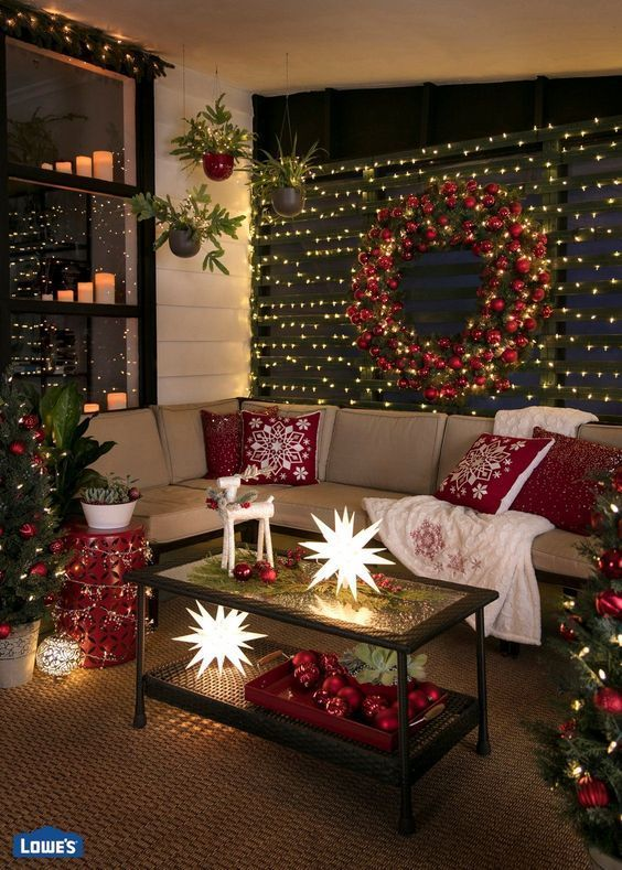 Check Latest Article Christmas Party Decorations Diy Ideas Christmas Decorations Apartment Christmas Decorations Apartment Small Spaces Christmas Room Design