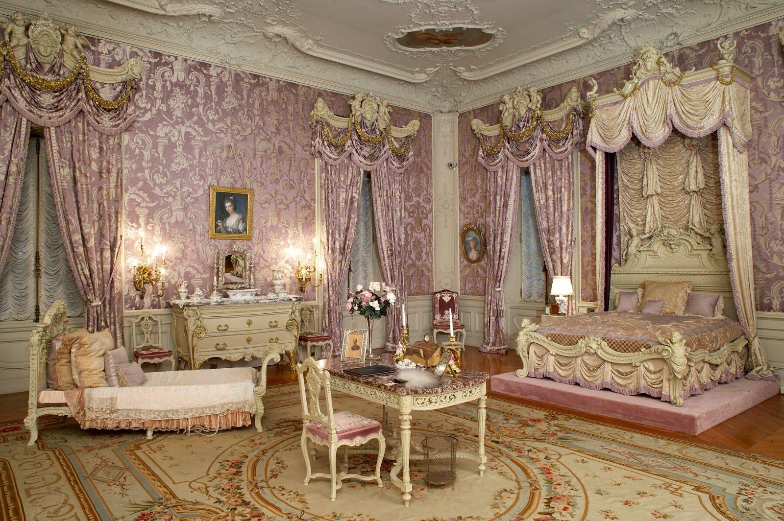 Pin van Jerney op bedroom in 2019  Marble house Royal