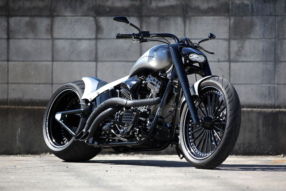 Dream Garage Cloudy Bay Re Newal From Bad Land Motorcycles Essential Style For Men Motorcycle Softail Bobber Cool Motorcycles