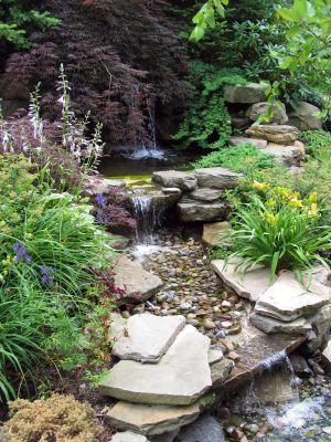backyard waterfall gardens Pinterest Cascadas, Jardines y - Cascadas En Jardines