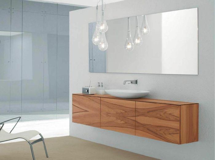 Helles Badezimmer Waschtisch Aus Holz Gluhbirnen Modernes Badezimmerdesign Badezimmer Licht Moderne Badezimmer Schranke