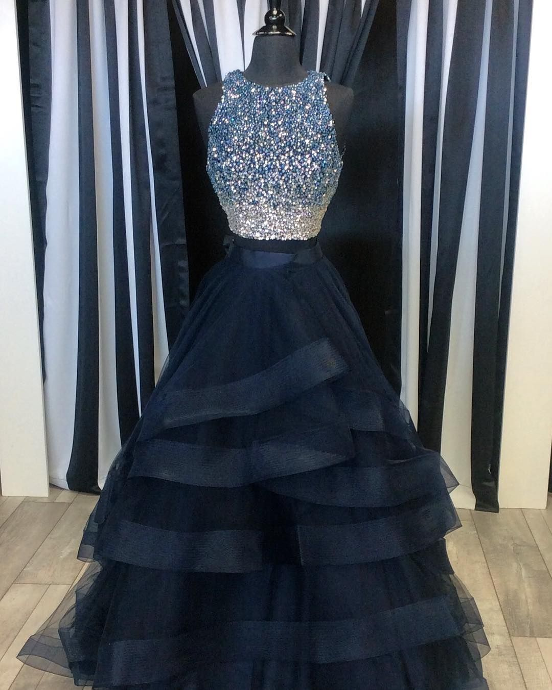Prom dressesparty dressestwo piece prom dressesruffles ball gowns