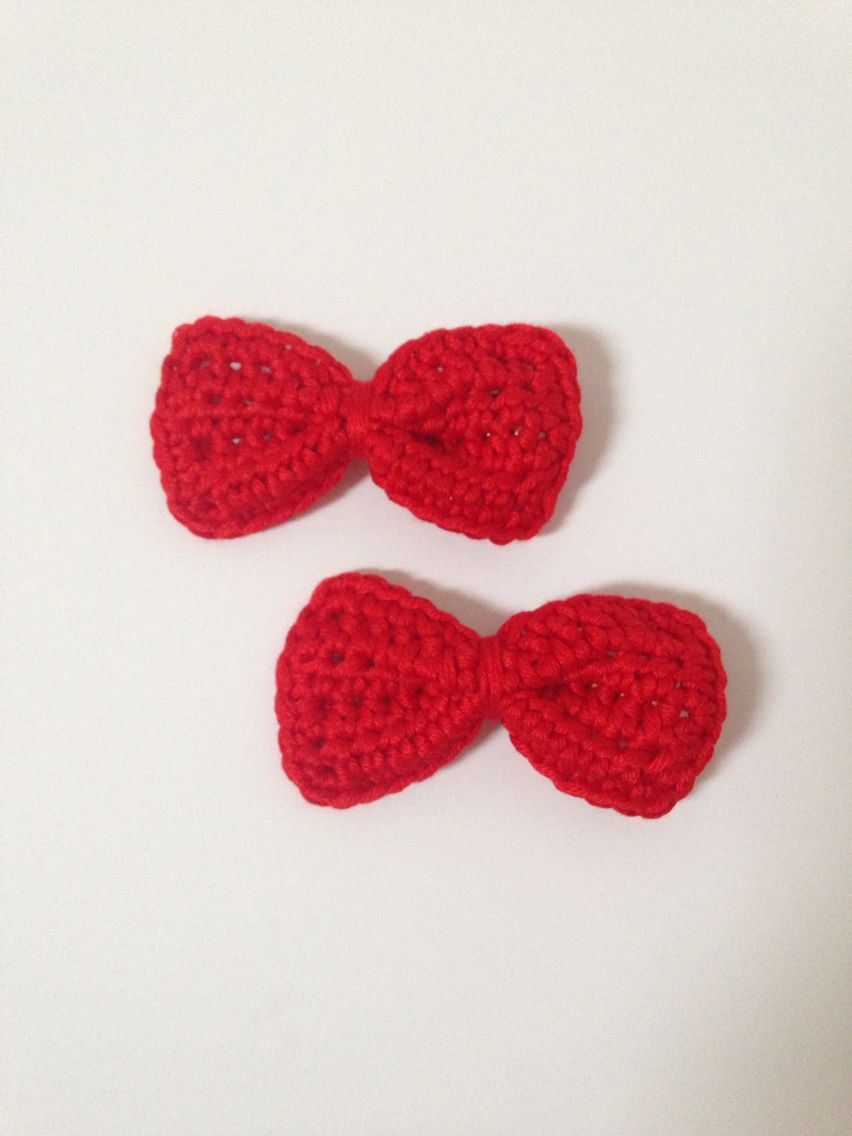 Crochet hair bows -red  100% cotton £3 per pair