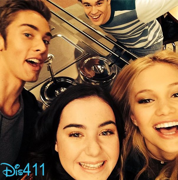 """Pics: The """"I Didn't Do It"""" Cast Together December 5, 2013"""
