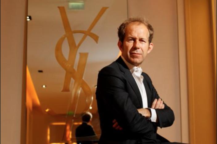 Apple il angajeaza pe fostul presedinte al Yves Saint Laurent