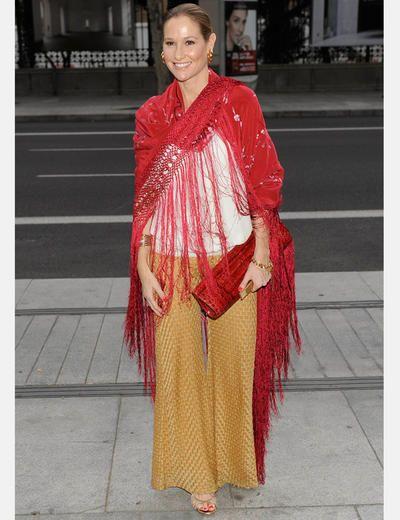 afd11ea6f Fiona Ferrer: | Ceremonia | Fiona ferrer, Manton de manila y Chal de ...