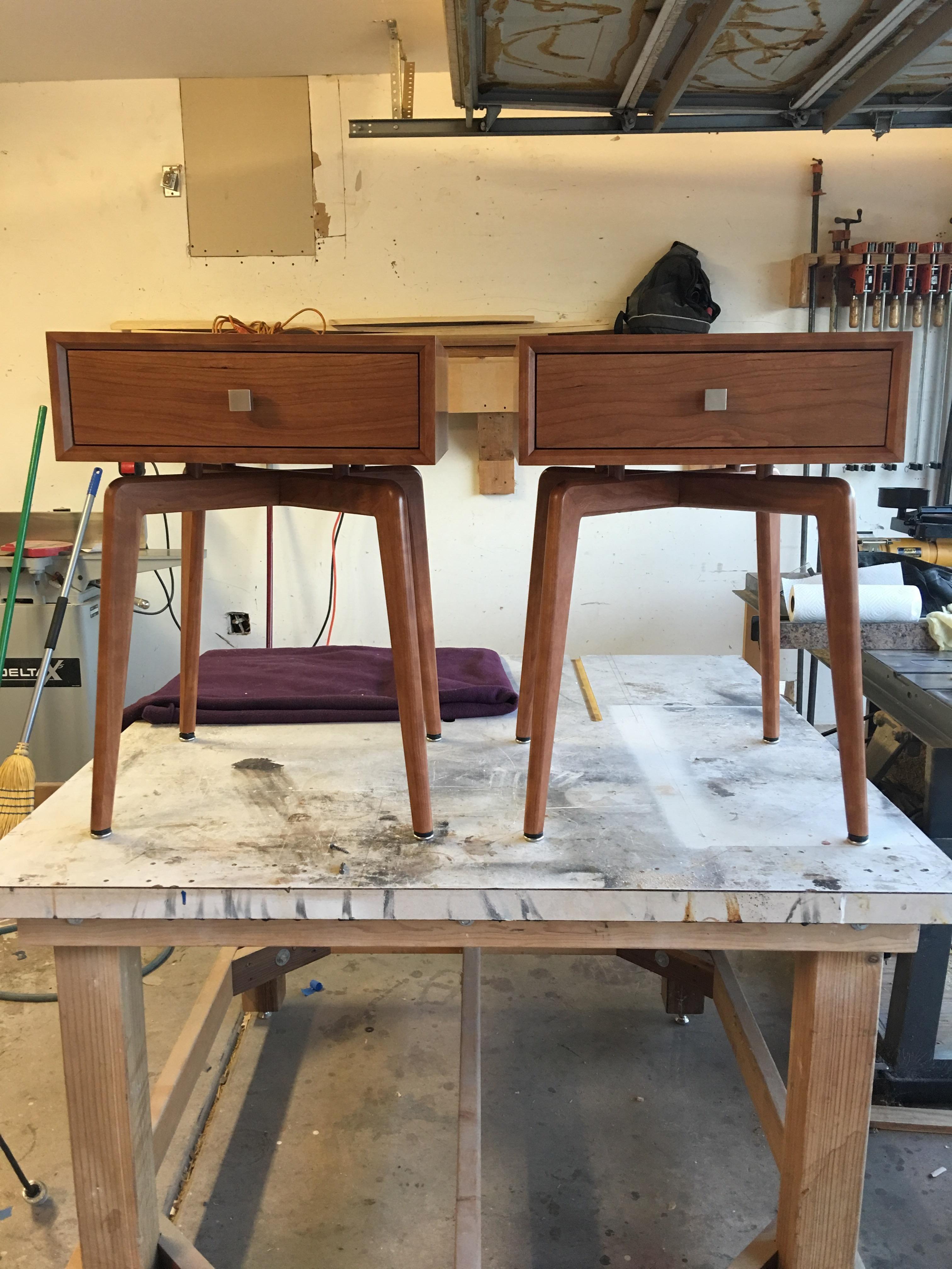 Best Mid Century Modern End Tables In Cherry Https Ift Tt 400 x 300