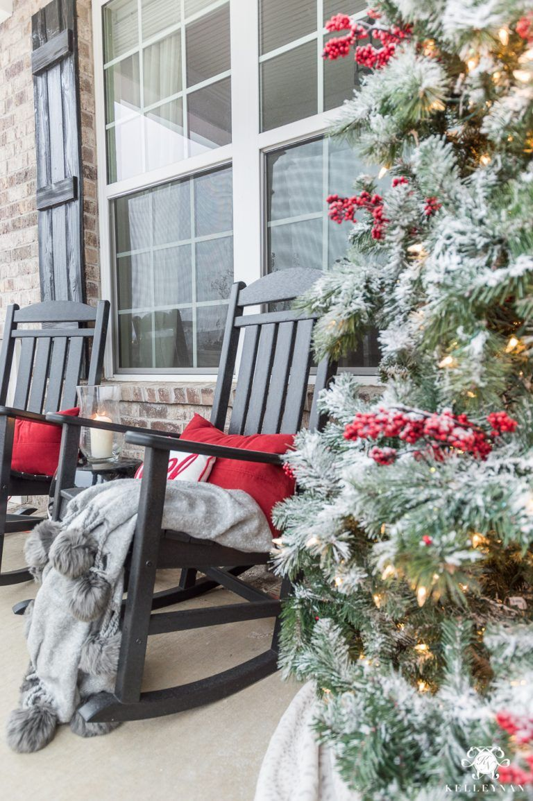 Astounding Classic Christmas Decor For A Traditional Front Porch Machost Co Dining Chair Design Ideas Machostcouk