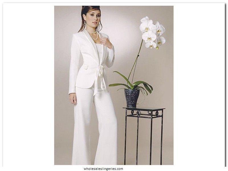 robe de mariage civil pour femme enceinte tailleur blanc pour femme mariage amandine et tania. Black Bedroom Furniture Sets. Home Design Ideas