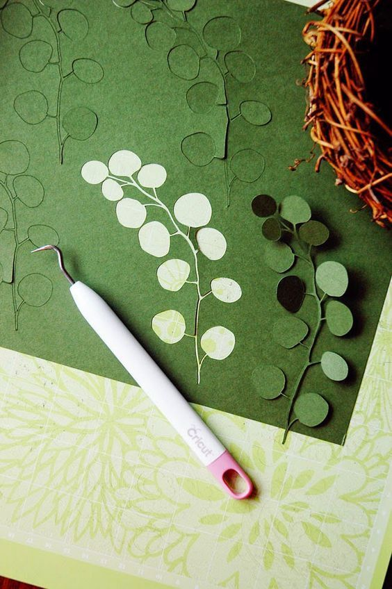 18 best paper plant tutorials is part of Paper plants, Paper crafts diy, Paper floral, Diy paper, Paper crafts, Paper flowers diy - It's no secret I'm prematurely welcoming spring in so I thought I'd    Read more »