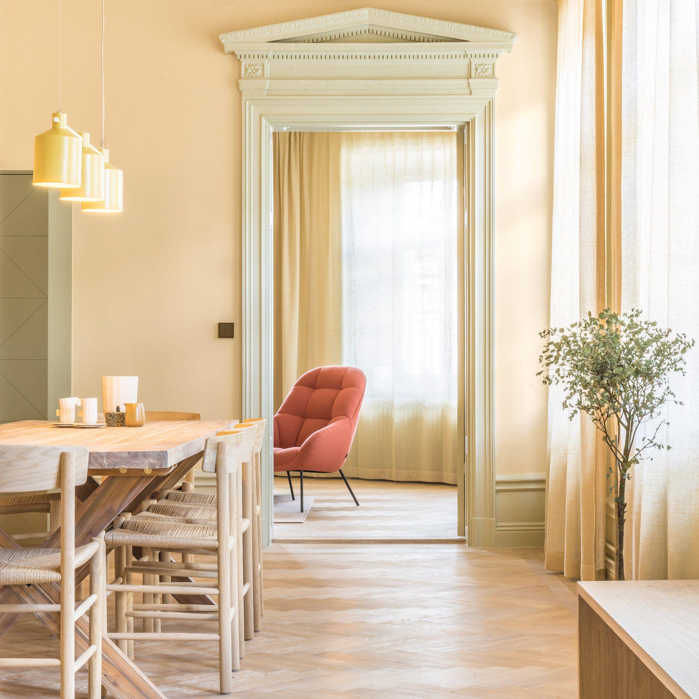 Dezeen S Top 10 Home Interiors Of 2017 Pastel Interior Note Design Studio Fredericia Furniture