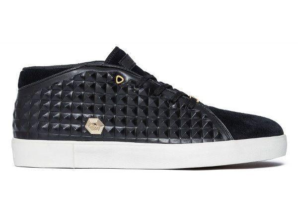 Nike LeBron 13 XIII NSW Lifestyle Black Metallic Gold Sail size9 b2e462c1b