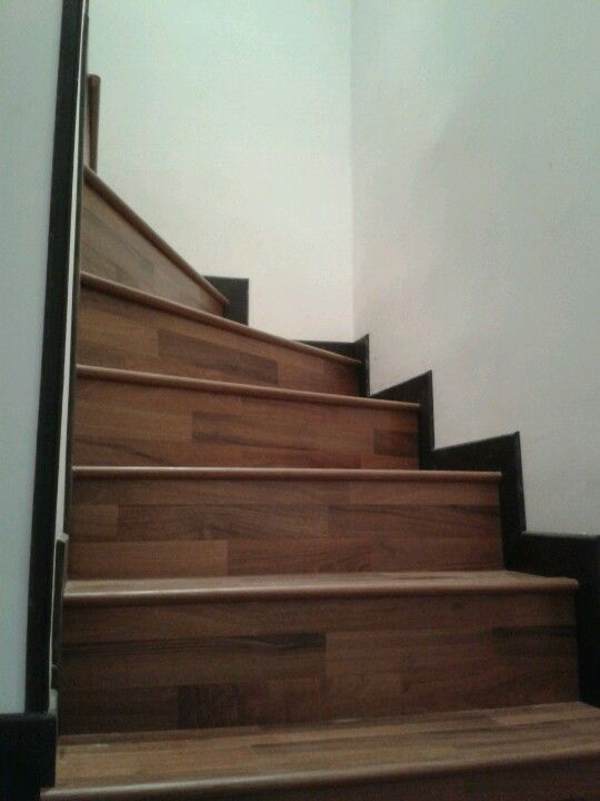 Escaleras en madera Decoración de escaleras Pinterest